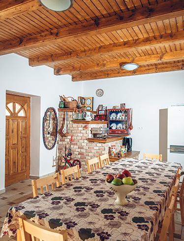 Füzesi Papa Vendégháza - Pihenje ki magát idilli környezetben. Egy közös nappali illetve mindennel felszerelt közös konyha és étkező várja a Vendégeket.