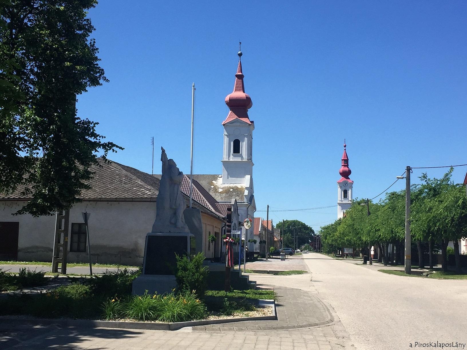 A Bács-Kiskun megyei Harta főutcája.