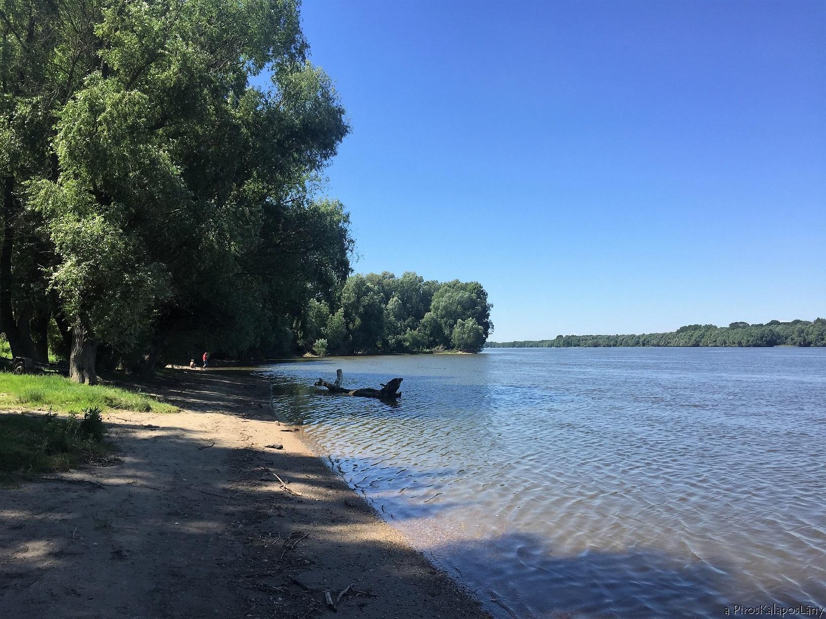 Naplemente a hartai Duna-parton