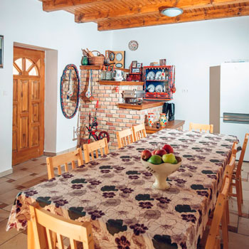 Legjobb szállás Harta - Füzesi Papa Vendégház - ideális hely baráti társaságok összejöveteleire, családi rendezvények, esküvők, nyaralások helyszínének. A legjobb áron.